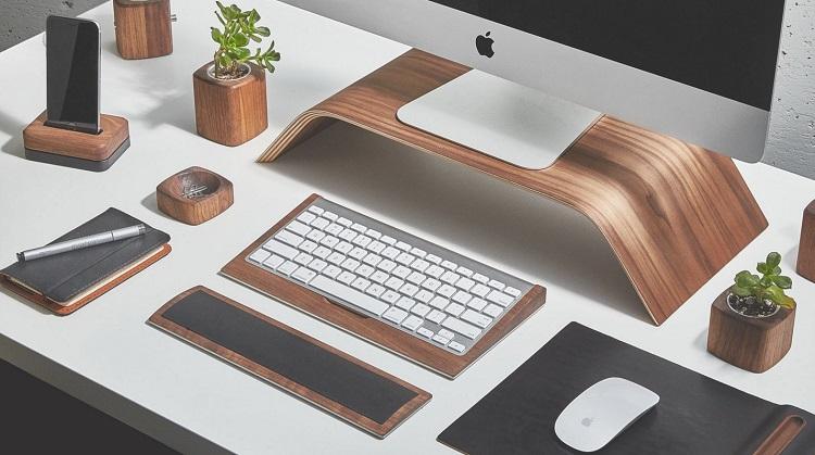 przydatne akcesoria podczas pracy biurowej